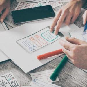 equipo de diseño web trabajando